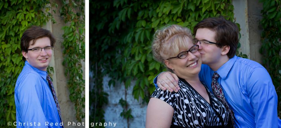 portraits with mom for Jordan Minnesota outdoor senior photography