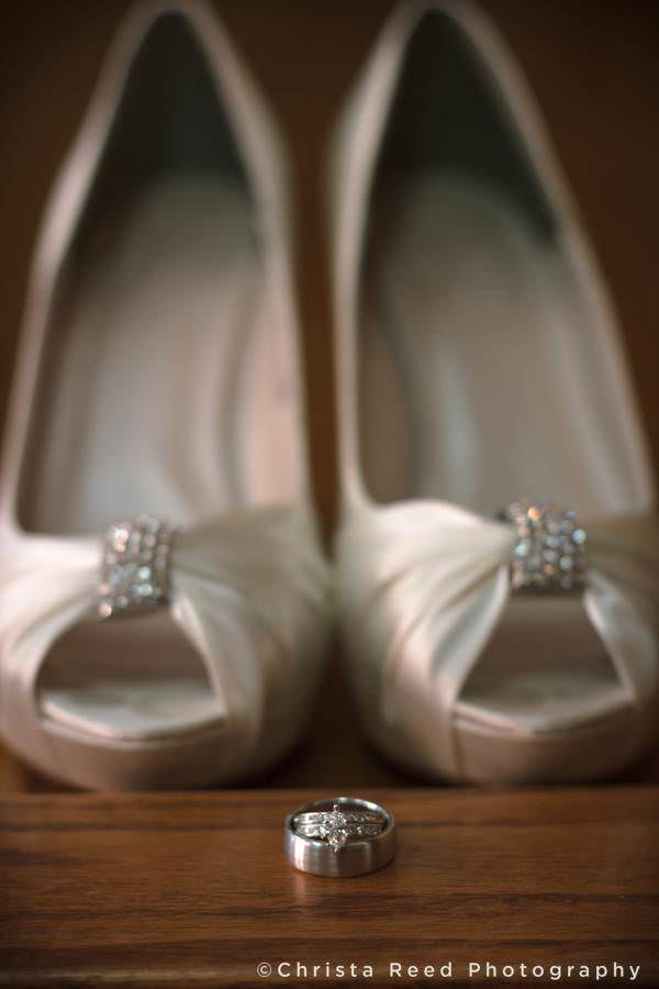 A picture of wedding rings by Mankato wedding photographer