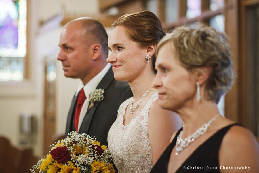 bride and her parents