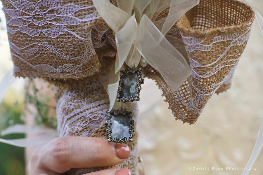 mankato bride with remembrance charms on her bouquet