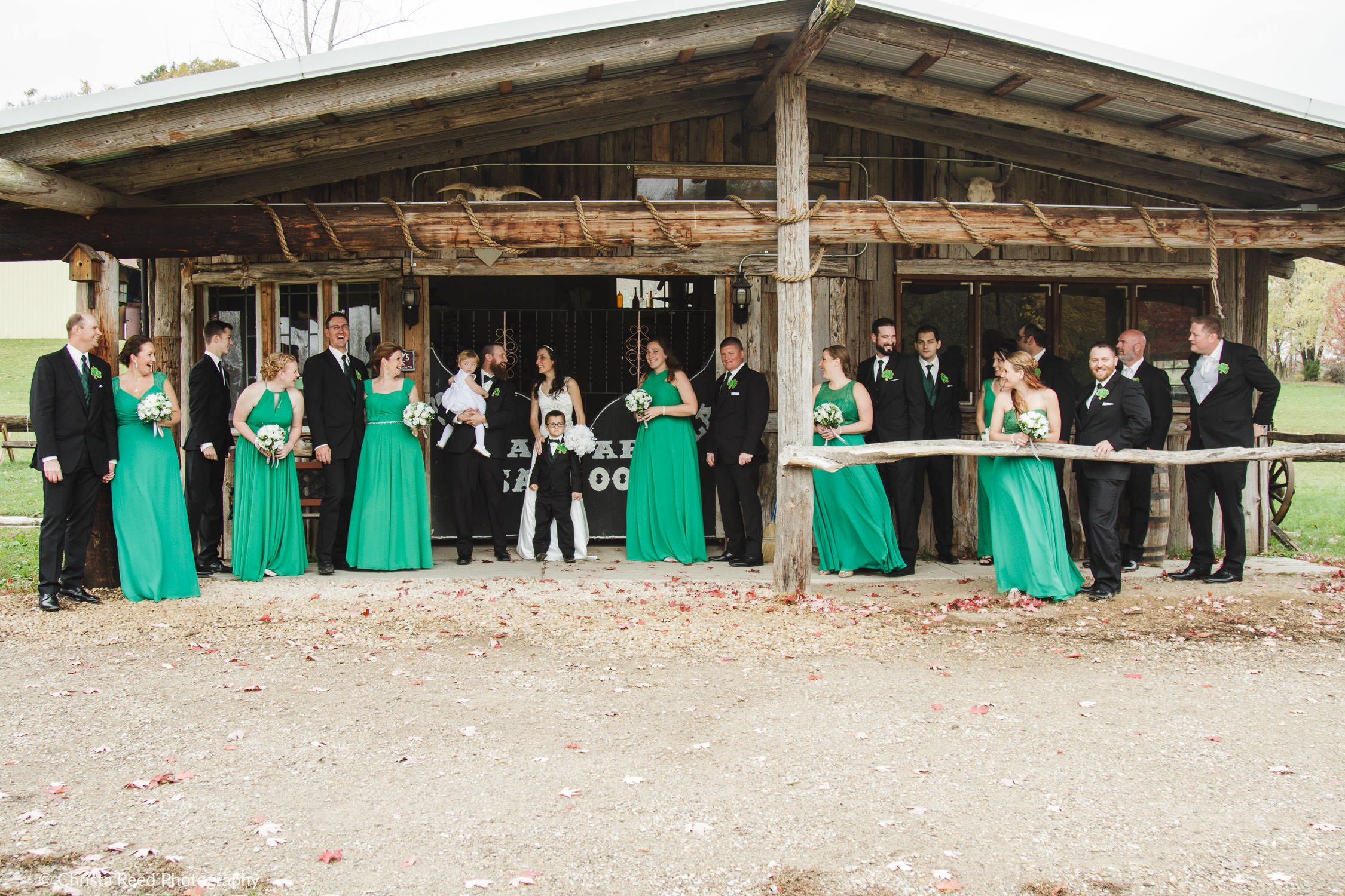 creative group wedding poses | Mankato Wedding Photographer
